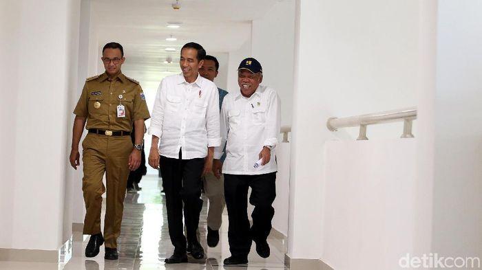 Jokowi meninjau wisma Atlet di Kemayoran (Rengga Sancaya/detikSport)