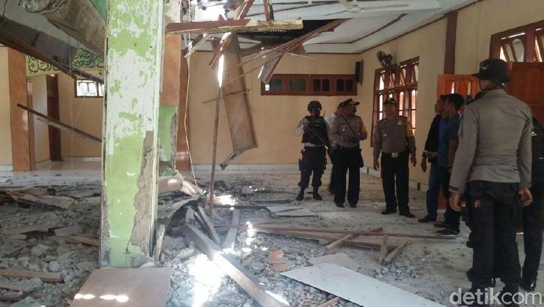 Gempa 7,6 SR Guncang Papua, Jalan Distrik Waropko Terbelah Panjang