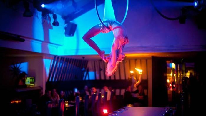 Terletak di Endel Street, kota London. Circus menawarkan konsep restoran yang berbeda dengan lainnya. Foto: Istimewa