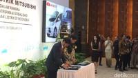 Pemerintah menerima hibah mobil listrik dari Mitsubishi Motors Coorporations (MMC). Hal ini sebagai upaya pengembangan mobil listrik di Indonesia.