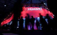 Trump tak Segan Ikut Campur Kasus Penahanan CFO Huawei