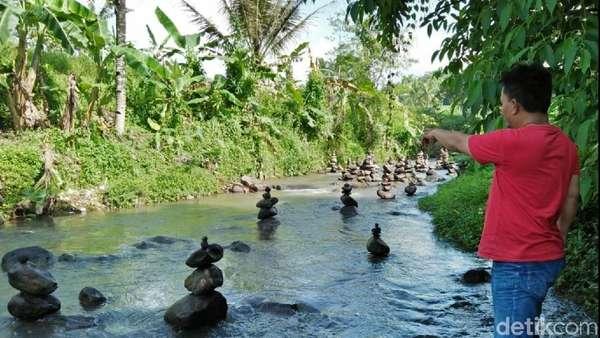 Warga akan Lestarikan 99 Batu Bersusun di Sungai Cidahu