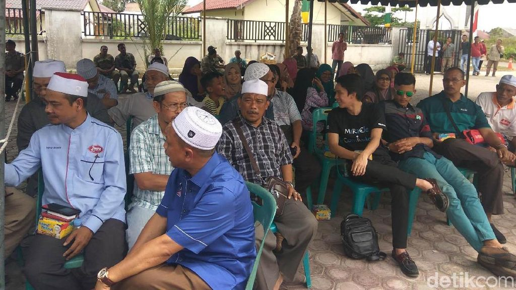Saat Turis Malaysia Diajak Lihat Eksekusi Cambuk di Aceh