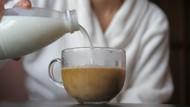 Ini Cara Terbaik Mencampur Susu dengan Teh Menurut Ahli