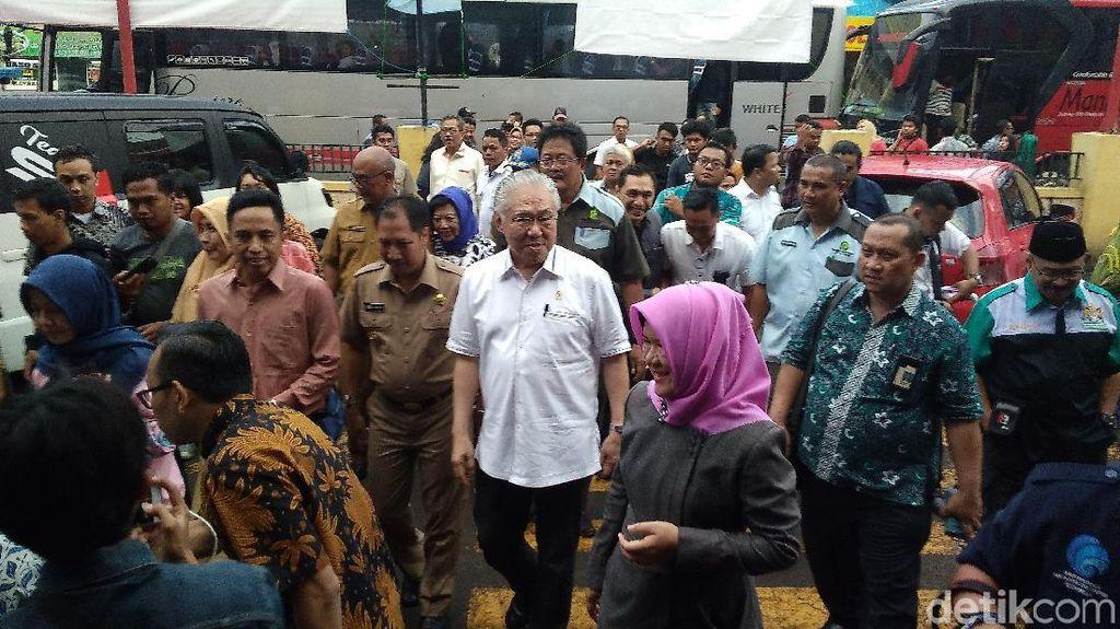 Ke Cirebon, Mendag Blusukan ke Pasar Cek Harga Beras