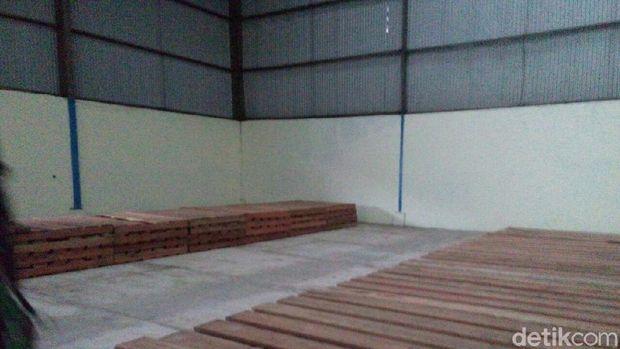 Gudang Bulog di Indramayu kosong