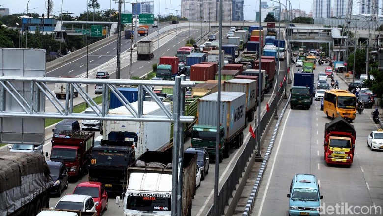 Makin Macet, Jakarta Jadi Kota Termacet ke-12 di Dunia Foto: Lamhot Aritonang