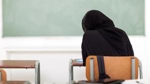 2 Remaja Tinju dan Tendang ABG Berhijab di Belanda