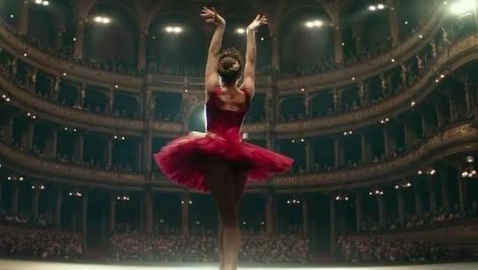 Aksi Menggoda Jennifer Lawrence di Red Sparrow