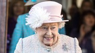 Senyuman Ratu Elizabeth saat Tugas Lagi setelah Pemakaman Pangeran Philip