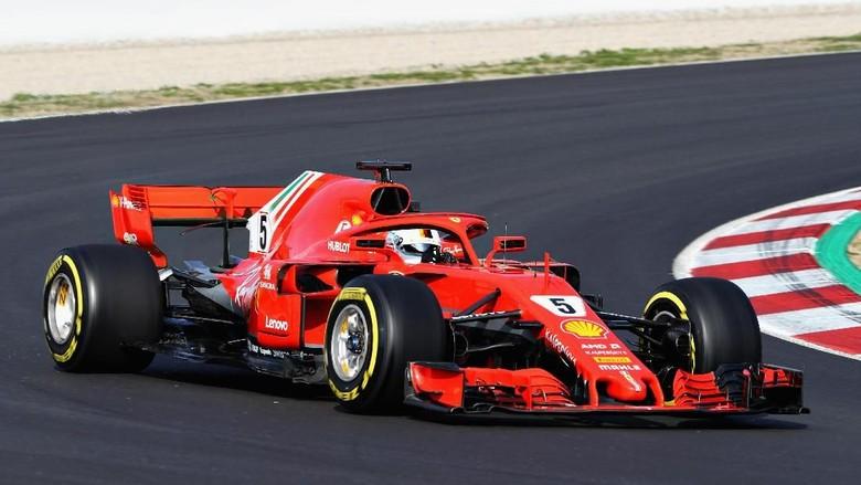 Vettel Jadi yang Terbaik di Hari Kedua