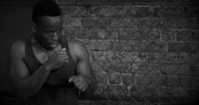 Ronald meraih prestasi sebagai pria pertama yang berhasil menyabet gelar Welterweight MMA di Afrika Selatan. (Foto: BBC)