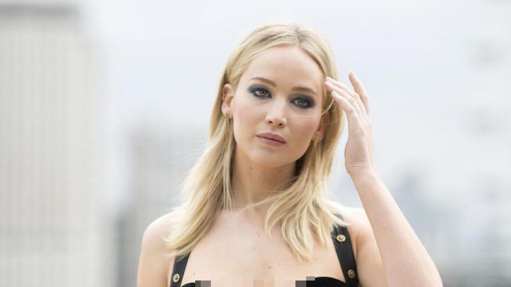 Jennifer Lawrence Hamil Anak Pertama