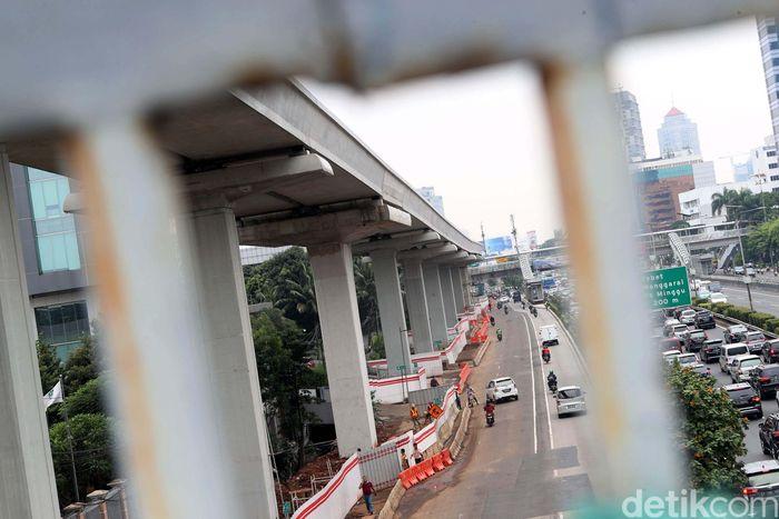Sebanyak 23 proyek jalan layang kembali diizinkan berjalan kembali setelah dihentikan sementara sesuai kebijakan moratorium dari pemerintah.