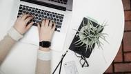 Karyawan Teknologi Ternyata Hobi Tidur Saat Jam Kerja