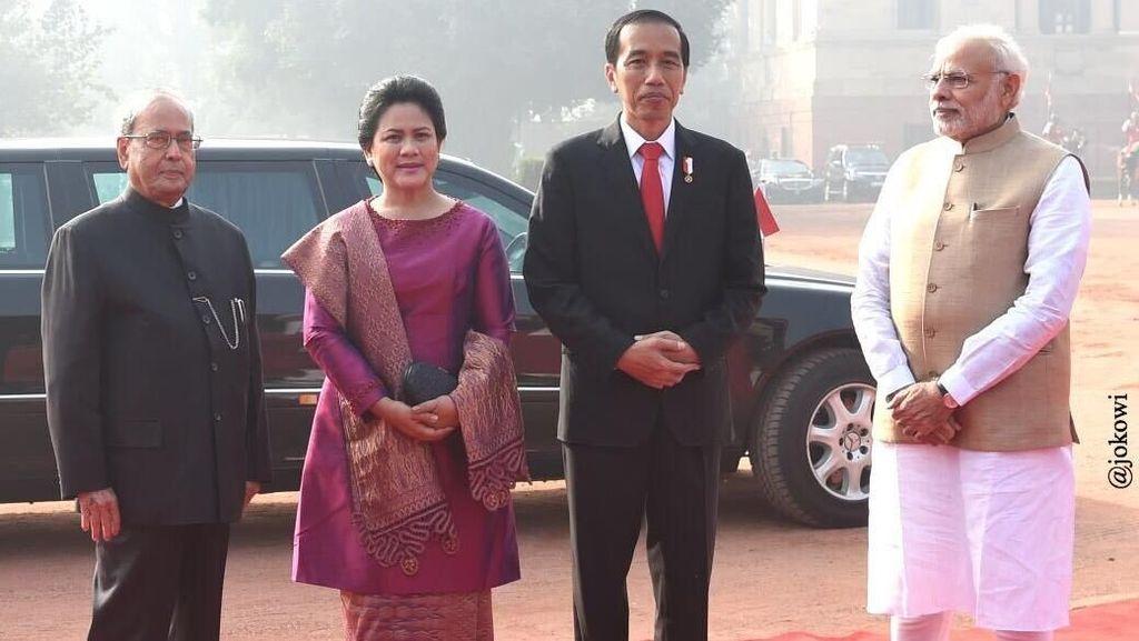 Ini Merek Tas Asli Indonesia Favorit Iriana Jokowi dan Mufidah Kalla