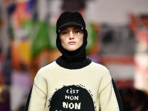 Pertama Kali, Dior Tampilkan Model Berhijab di Paris Fashion Week