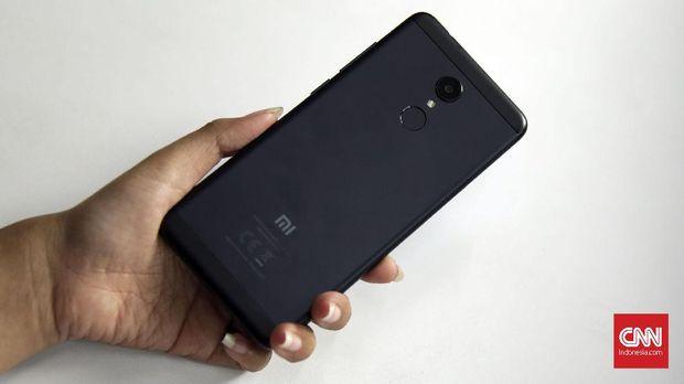 [BLM] Xiaomi Redmi 5, Ponsel Layar Kekinian Kurang dari Rp2 J