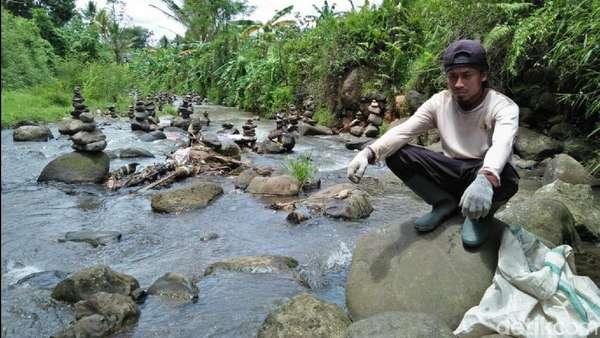 Lebih Dekat dengan Rahmat, Seniman Rock Balancing Asal Sukabumi