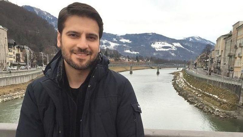Sami Yusuf adalah pria tampan kelahiran Iran yang memiliki kewarganegaraan Inggris. Dia salah satu musisi Muslim dunia. (samiyusuf/Instagram)