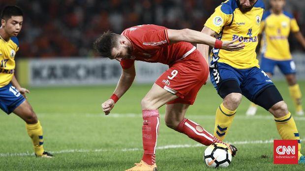 Marko Simic nyaris cetak gol pembuka Persija.