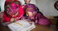Anak-anak semangat belajar walaupun tinggal di lokasi terpencil.