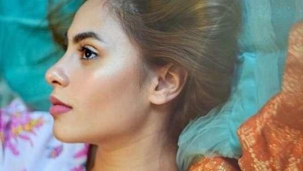 Seksi Mana, Bibir Jihane Almira atau Valerie Thomas?