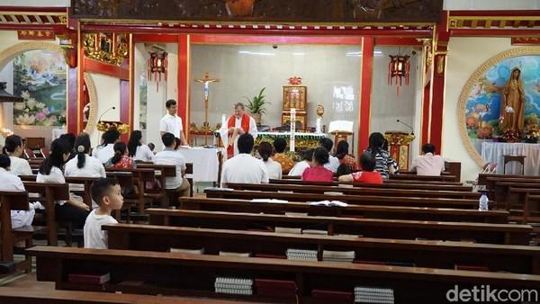Kini, gereja tersebut masih aktif digunakan dan menjadi atraksi turis ketika datang ke Glodok (Shinta/detikTravel)