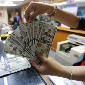 PR Berat RI Lawan Penguatan Dolar AS