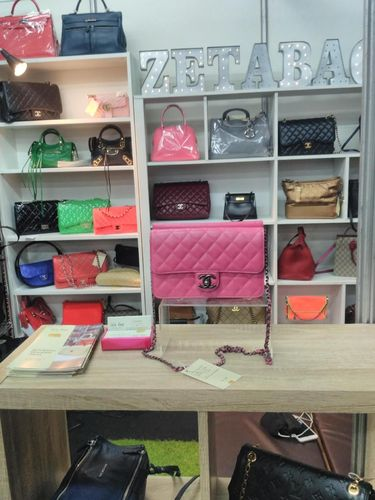 Bazar Tas Chanel Hingga Hermes Diserbu Ratusan Pengunjung Di Grand 9edf2bbd49