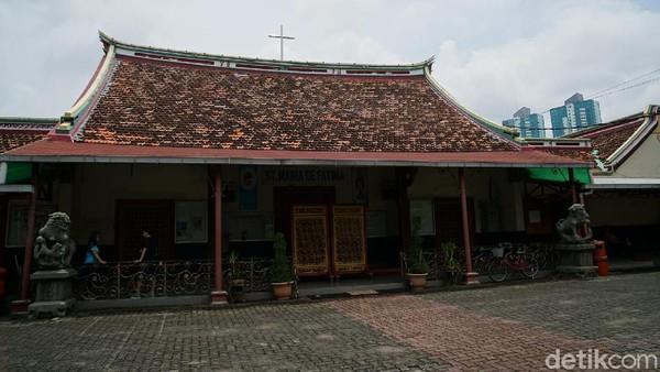 Bukan cuma unik, gereja ini juga bersejarah. Kesan tionghoa masih melekat di tempat ibadah umat Katolik yang satu ini (Shinta/detikTravel)