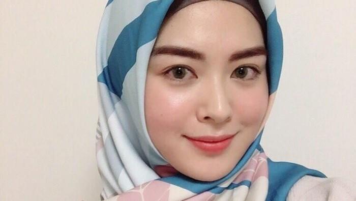 Hijab Segiempat Ayana Moon