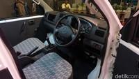 Beginilah penampakan interior pikap Suzuki Mega Carry yang semakin nyaman.