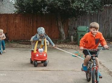 Seorang ibu sekaligus fotografer bernama Sara Easter ingin membuat proyek foto tentang ketiga anak laki-lakinya. (Foto: Sara Liz Photography)