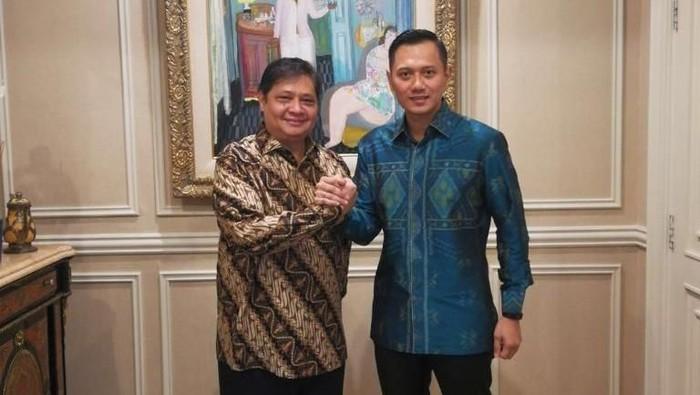 Ketua Kogasma Pemenangan Pemilu Partai Demokrat Agus Harimurti Yudhoyono pagi ini bertandang ke kediaman Ketua Umum Golkar Airlangga Hartarto.