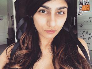 Foto: Mia Khalifa, Bintang Porno yang Berhenti karena Diancam ISIS