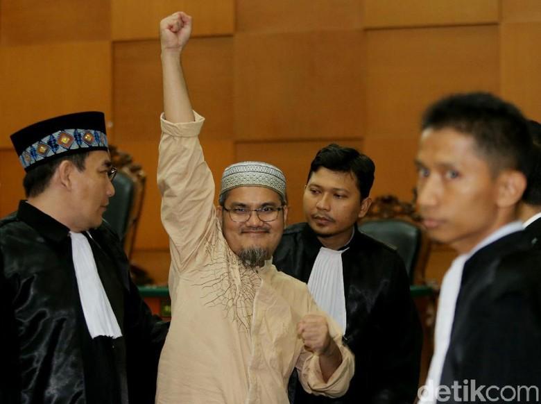 Jonru akan Banding Vonis 1,5 Tahun Penjara
