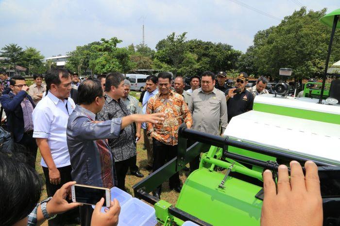 Foto: Mentan Amran Sulaiman dan Merinstekdikti M. Natsir (Dok. Kementan)