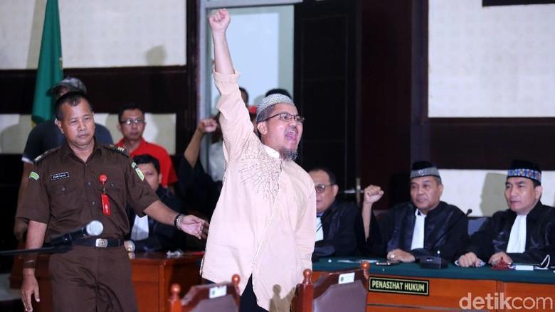 Jonru Divonis 1,5 Tahun Penjara, Ini yang Jadi Pertimbangan Hakim