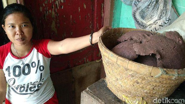 Perajin terasi di Cirebon