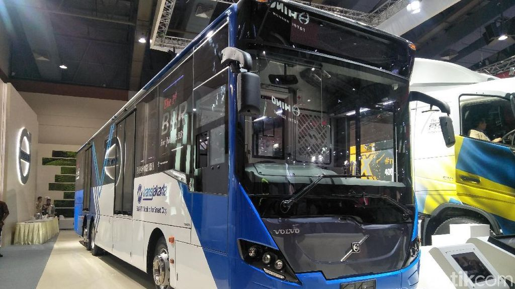 Bulan Maret, Yok Naik Bus TransJakarta Buatan Swedia