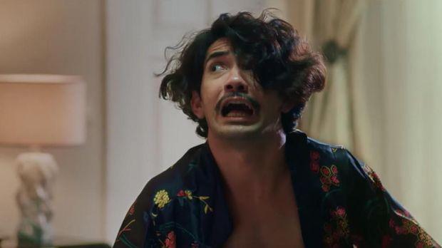 Reza Rahadian sebagai Pengki berganti-ganti misi, dari 'merampok' kasino sampai menyelamatkan pujaan hati.