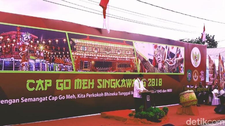 Menag Lukman Hakim Saifuddin di Cap Go Meh Singkawang (Randy/detikTravel)