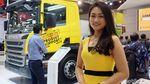 Si Cantik yang Bikin Melirik di Pameran Bus dan Truk