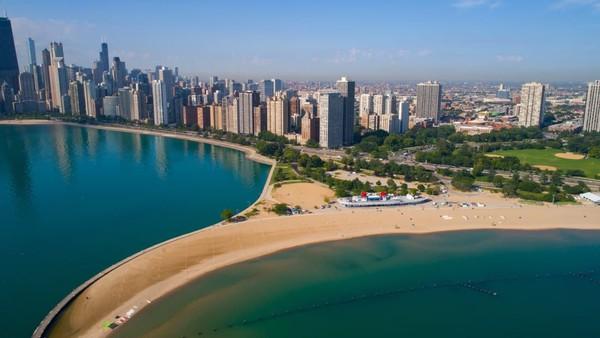 Peringkat ke-30 ditempati Chicago. Serupa seperti Tokyo, masyarakat di kota ini memiliki jumlah jam kerja yang tinggi. Foto: (Felix Mizioznikov/CNN)
