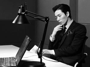 Demi Drama Musikal, Kim Jae Wook Bekerja di Bar Transgender