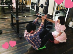 Bikin Semangat! Olahraga di Gym Ini Ditemani Pelayan Cantik