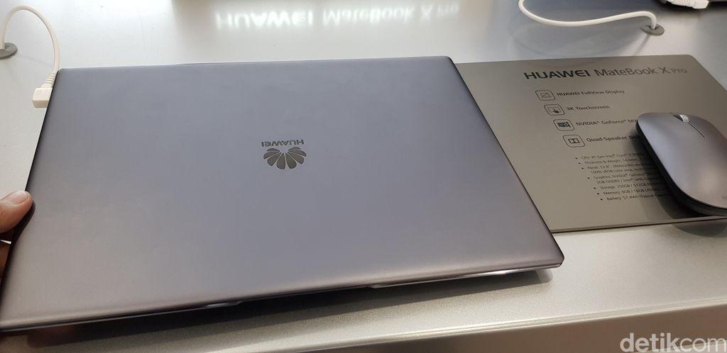 DetikINET sempat menjajal langsung laptop yang menjadi penerus MateBook X ini. Foto: Achmad Rouzni Noor II/detikINET