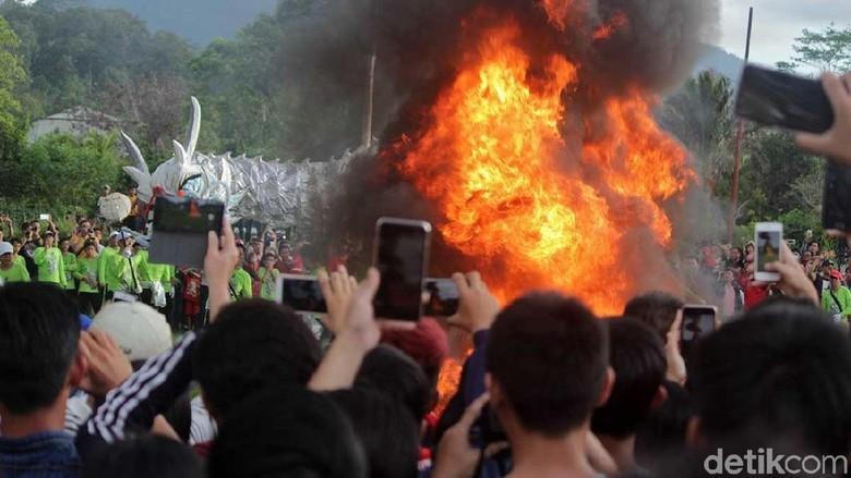 Ritual naga menuju kahyangan di Singkawang (Randy/detikTravel)
