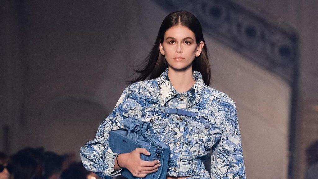 Tamu Membeludak, Fashion Show Off-White Sempat Ricuh